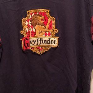 Warner Bros. Shirts - Harry Potter Gryffindor House Hogwarts Tee XL